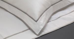 Bespoke linen made in France by the VIS A VIS workshop